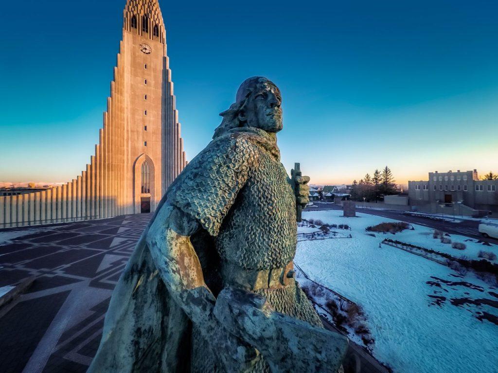 Исландия, Рейкьявик, статуя Лейфа Эриксона