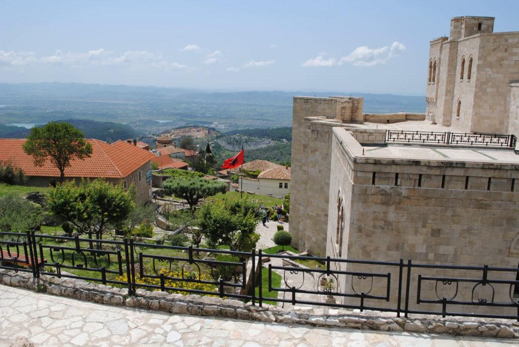албания круя балкон