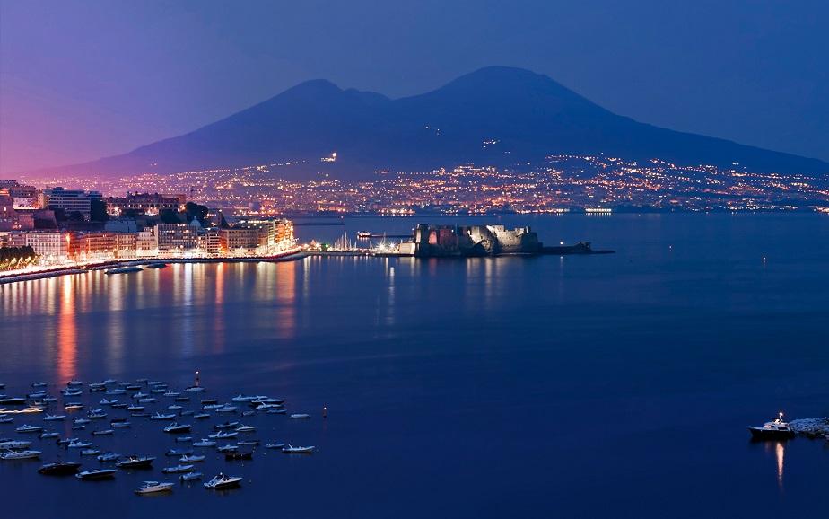 Италия, Неаполь