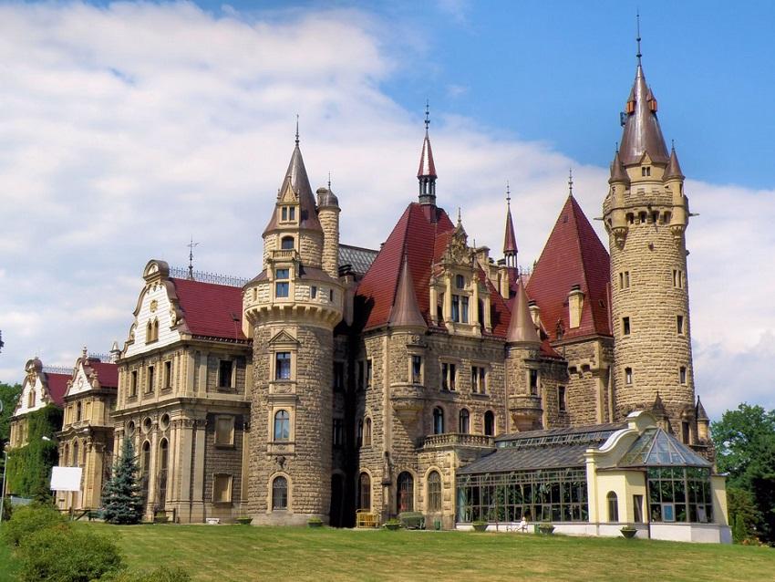 Польша, Мошненский дворец
