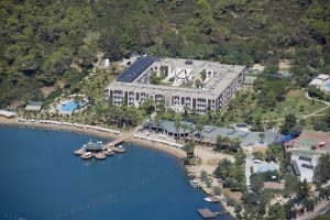 Crystal Green Bay Resort & Spa бронирование