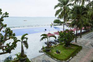 Hon Rom Central Beach Resort бронирование