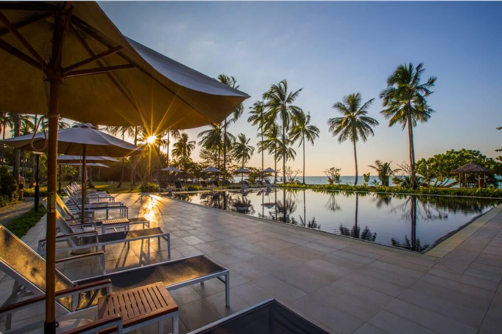 Kantary Beach Hotel Villas & Suites бронирование
