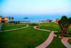 Royal Beach Hotel & Resort бронирование