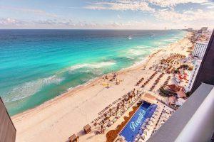 Royalton Suites Cancun Resort & Spa бронирование