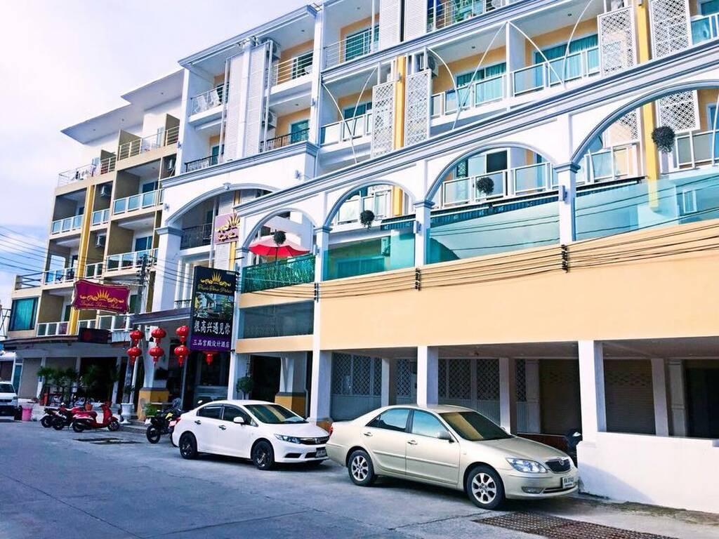 Triple Three Hotel Patong бронирование