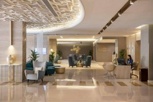 Two Seasons Hotel & Apartments бронирование