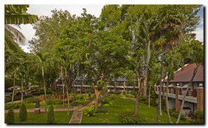 Woodlands Hotel & Resort бронирование