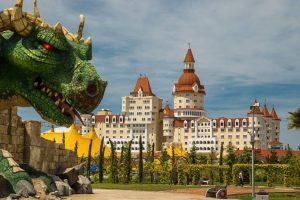 Богатырь отель-замок бронирование