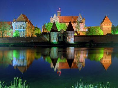 Польша, Мальборк, замок ночью