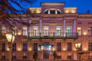 The Brullov Mansion бронирование